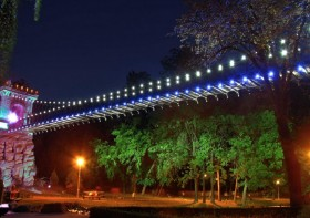 Podul noaptea